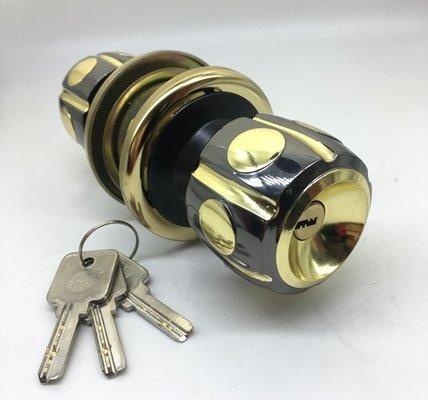 One Way Bedroom Door Knob With Lock And Key 5886