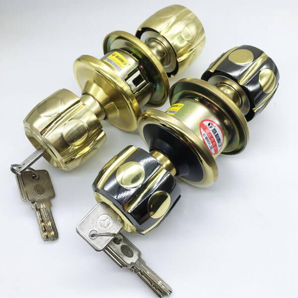 One Way Bedroom Door Knob With Lock And Key 5886BNPB ET 5 - One Way Bedroom Door Knob With Lock And Key 5886