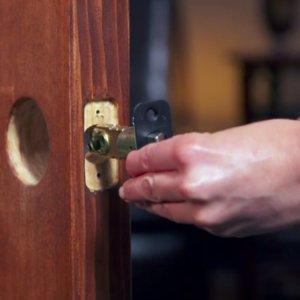 1609926607 how to install door knobs levers 1 300x300 - How To Choose Lever Door Handle?The Complete Guide